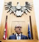 Nationalratspräsident Karlheinz Kopf bei Ansprache im Nationalratssitzungssaal.