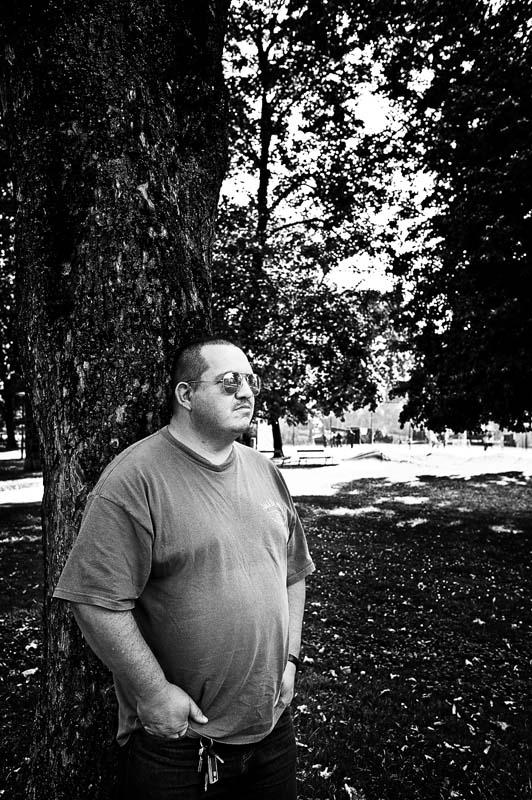 Portrait von Ex-Häftling als Schwarzweißfoto.